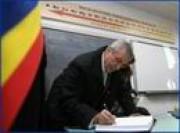 Le Premier ministre Calin Popescu-Tariceanu a effectué aujourd`hui une visite de travail dans le département d`Arges et, à cette occasion, il a inauguré le périphérique du municipe de Pitesti et a visité le Lycée théorique de la ville de Costesti.